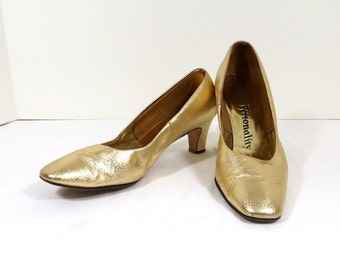 PERSONALITY Gold Lame' Pumps Size 8.5 or 8-1/2 B / AA