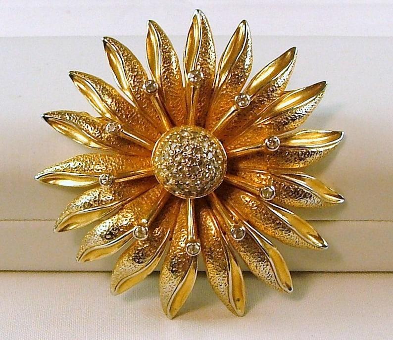 NETTIE ROSENSTEIN Flower Brooch