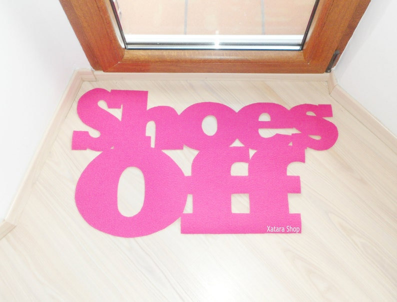 Shoes off thin doormat. Remove shoes sign front door. Funny image 0