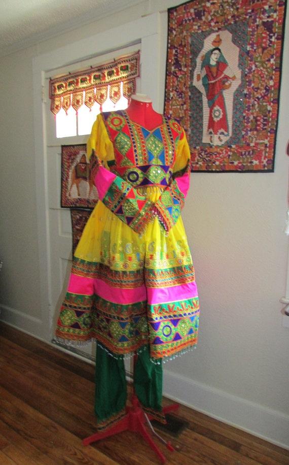 Pakistan Tribal Folk Dress