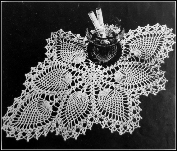 Vintage Crochet PATTERN to make Doily Centerpiece Mat Pineapple Points Design