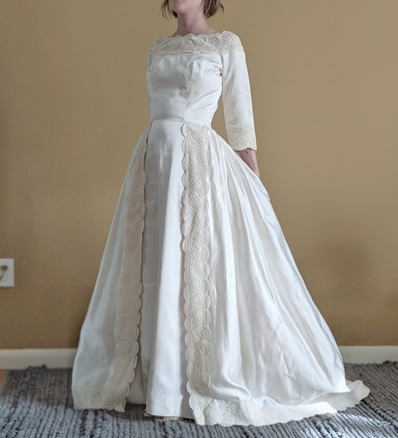1960s White Satin /& Lace Wedding Dress with Train Romantic Wedding Long Sleeve Bridal Gown Fitted Pencil Dress Vintage 1950s