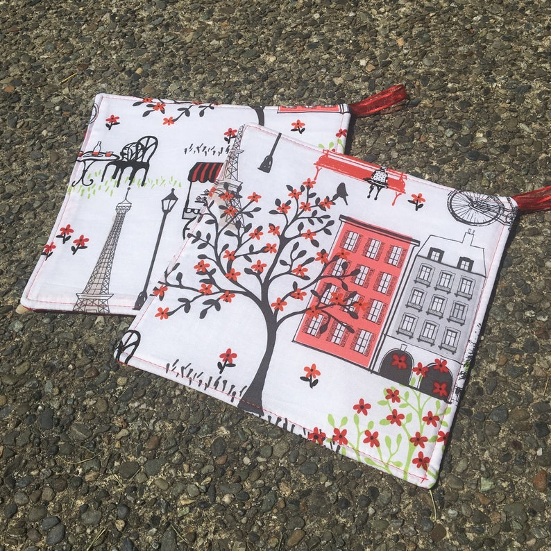 Two Pot Holders  Paris in Red and Black Eiffel Tower with image 0