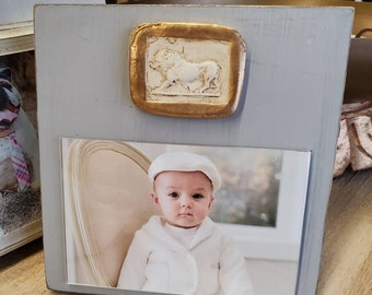 Intaglio Medallion Grand Tour Reproduction Aged Gilded Edge Holds a 4x6 Photo Frame