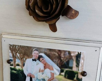 Handmade Wood Picture Frame - Oyster White aged finish with Vintage Large Metal Rose - 5×7 Photo