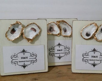 Two Oyster Shells With Gold Leaf on Handmade Wood Frame - Painted and Distressed Old White - Coastal Gift Beach For 4x6 Photo Horizontal
