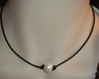 Single Pearl and Leather Necklace with Matching Bracelet - Free Shipping