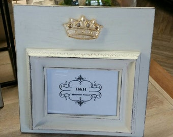 Handmade Beautiful Wood Distressed Picture Frame - Oyster White aged finish with Gold Leaf Crown 5x7 Photo