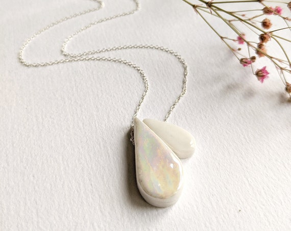 Necklace drops enamelled iridescent porcelain