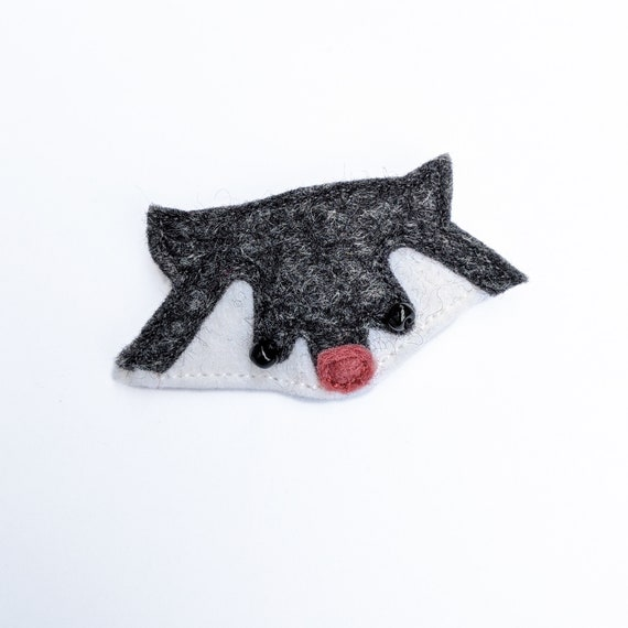 cute raccoon brooch, made in felt with love
