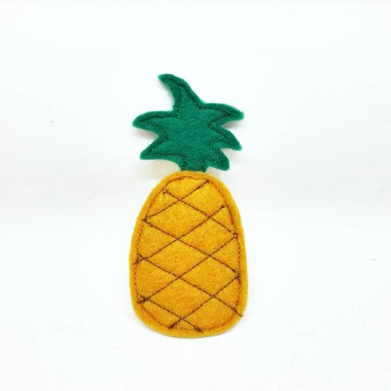 Pineapple brooch