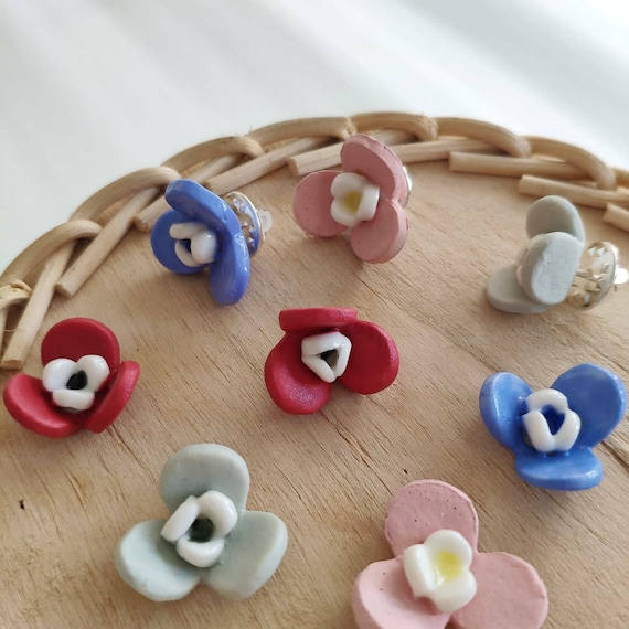 Porcelain multicolor flower pin