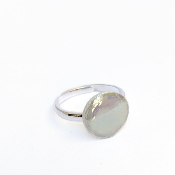 Adjustable iridescent bubble ring in silver and porcelain