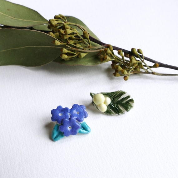 Porcelain Myosotis or Mimosa little brooch
