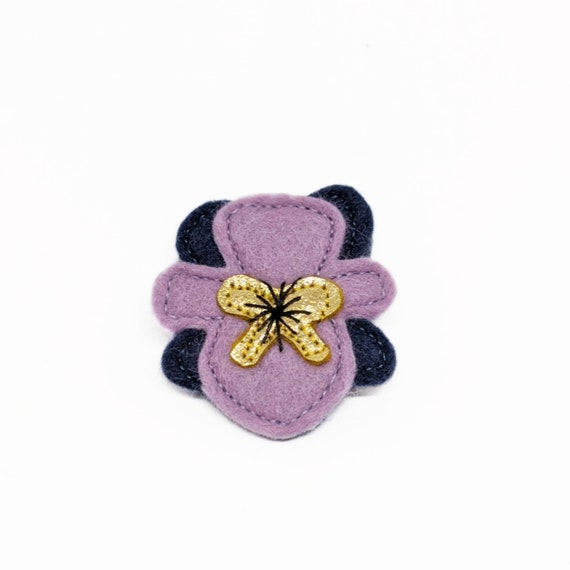 Felt pansy flower brooch