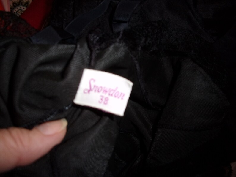 VTG Snowden Ladies Black Lacey Slip Sz 38 Nylon Trico Knee Length