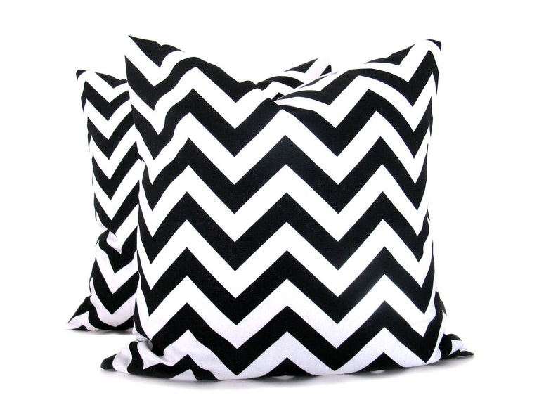 Throw pillow covers 18x18 Black and White Chevron Zig Zag image 0