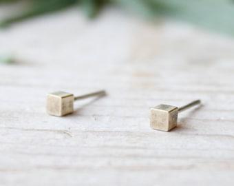 Cube tiny stud earrings, gold lobe earrings, men stud earrings, handmade brass earrings, statement earrings, gifts for women, jewelry gift