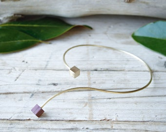 Gold flexible choker handmade necklace for woman, shiny hammered brass and geometric wood, minimal necklace, gift for girl, bridesmaid