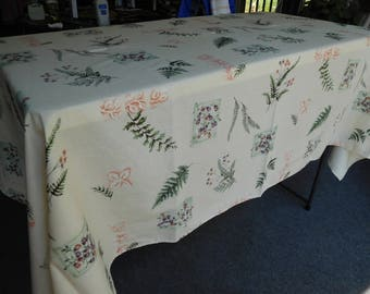 """Vintage Off-White Rectangular TABLECLOTH with Floral Design 84"""" x 61"""""""