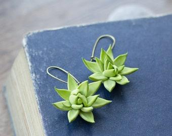 Succulent earrings - botanical earrings - green jewelry - tropical jewelry - succulent jewelry - summer earrings - nature inspired earrings
