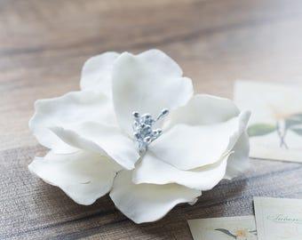 60020ef11 White wedding flower hair clip - bridal flower hair clip - floral hair clip  - wedding headpiece - wedding hair clip - bridal hair barrette