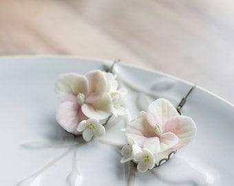 White chandelier flower earrings - white earrings - flower earrings - floral jewelry - delicate jewelry - bridesmaids jewelry
