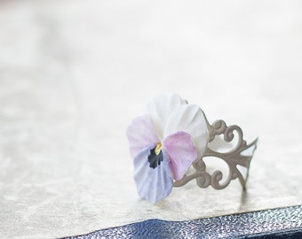 Pansy flower ring - pansy jewelry - viola jewelry - botanical ring - botanical jewelry - flower jewelry - blossom ring - flower ring