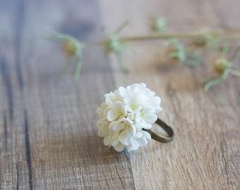 White flower statement ring - floral ring - flower jewelry - flower wedding ring - botanical, nature inspired, woodland - garden wedding