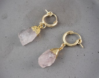 Raw Rose Quartz Earrings Gold, Rose Quartz Drop Earrings, Tiny Gold Hoop Earrings, Gold Huggie Hoop Earrings Charm, Pink Stone Earrings