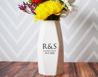 Personalized Geometric Vase - Anniversary Gift, Engagement Gift, Wedding gift, Hostess Gift or Housewarming Gift - Modern Vase
