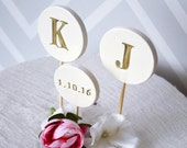 Wedding Cake Topper - PERSONALIZED and Modern Circle with Initials and Wedding Date - Available in Different Colors