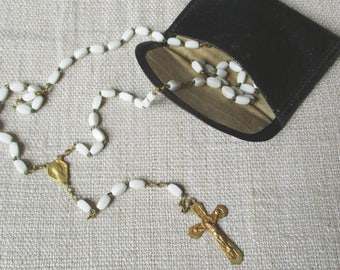 Antique french white rosary and its pocket wallet, 1940s, Bakelite pearls, Chapelet ancien, Mother of pearls, Antique, Religion, Catholic