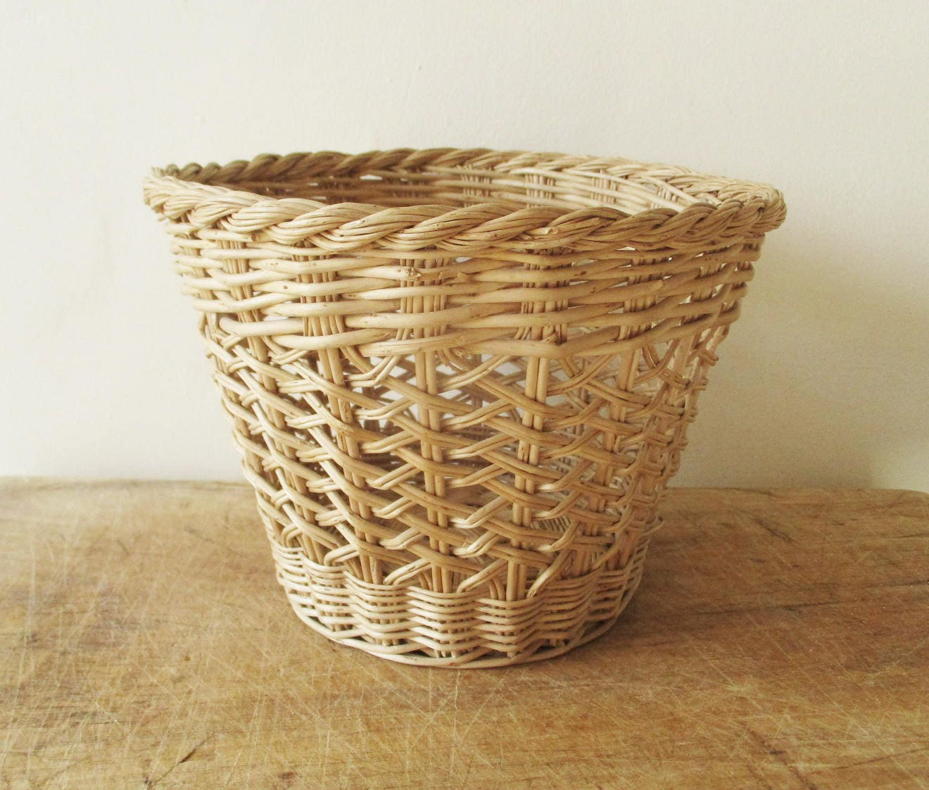 Peindre Un Panier En Osier vintage little french wicker basket, 1960s, corbeille panier osier, france,  vintage home decor