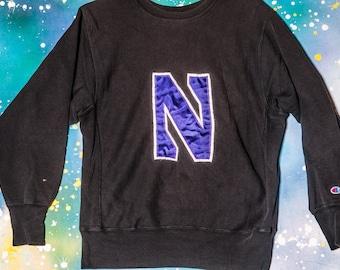 db639caf7f0 NYU New York University CHAMPION Reverse Weave Sweatshirt Size L