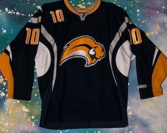 Buffalo SABRES Hockey Jersey  10 Tallinder Size L 6f2cde898