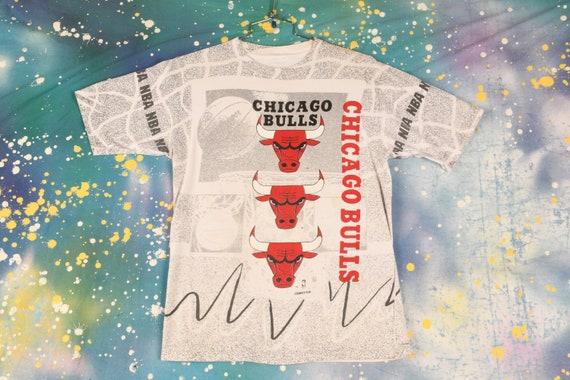 vintage 90s CHICAGO BULLS All Over Print T Shirt