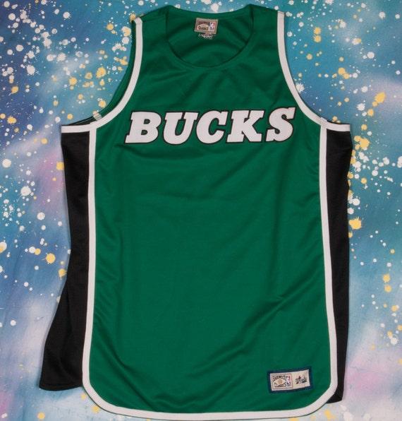 Milwaulkee BUCKS  Basketball Jersey Size  XL