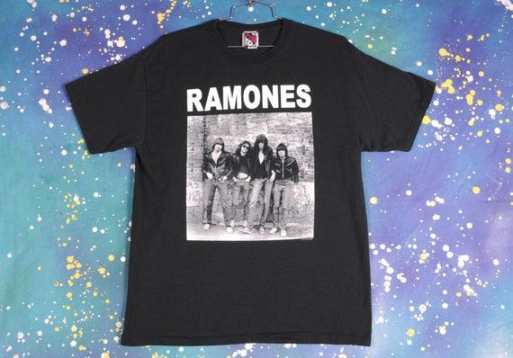 RAMONES Vintage  T-Shirt Size XL