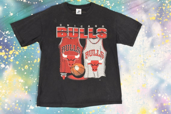 vintage 90s CHICAGO BULLS T Shirt