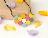 Small geometric honeycomb...