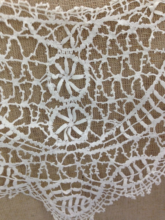 Cluny lace collar - image 3