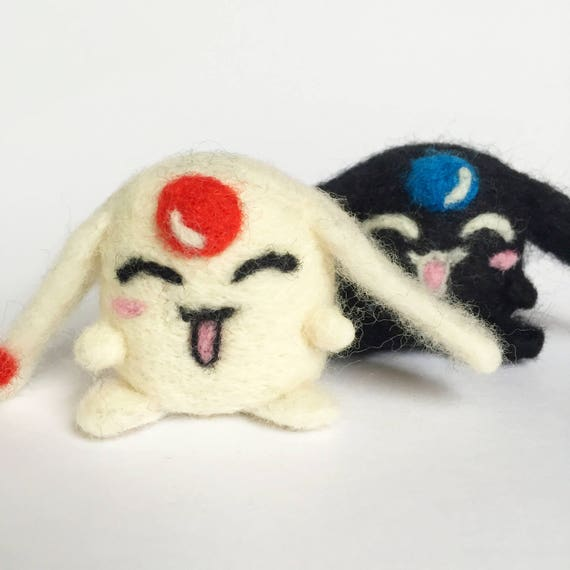 Mokona weiß & Schwarz Nadel gefilzter gefilzte Merino Wolle Miniatur Sammlerstücke gefilzte Handarbeitskunst Tsubasa Manga XxxHolic Klemme Geschenk