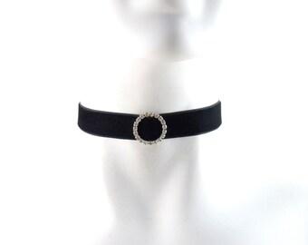 f1c124ade80426 Rhinestones Choker Necklace Black Velvet - Diamante Circle Silver Buckle -  Sexy