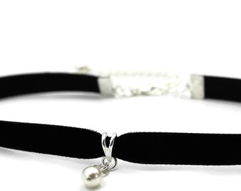 Glass Pearl Choker Necklace, Hand Wrapped Bead Pendant on Sexy Black Velvet Choker, Victorian Choker, Romantic Jewelry for Women