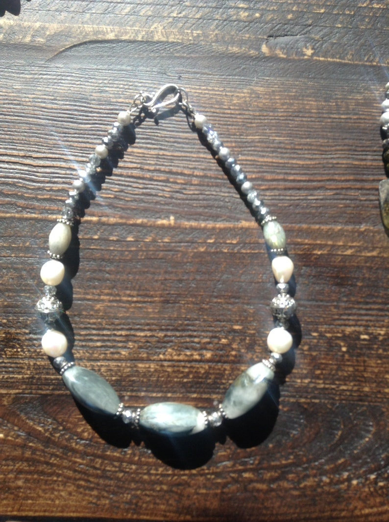 Grey green  dolphin  agate necklace with pearls image 0