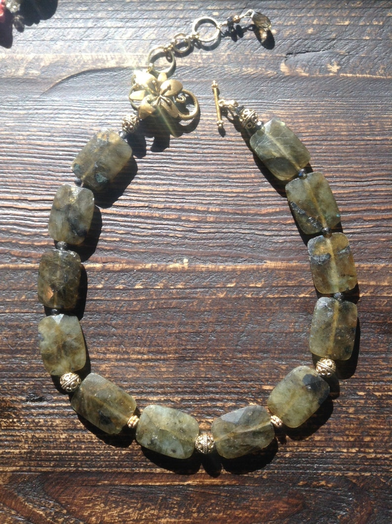 Labradorite necklace and bracelet set image 0