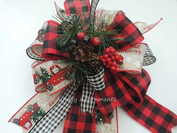 Buffalo Check Christmas Wreath.Farmhouse Christmas Wreath Bows Red Truck Christmas