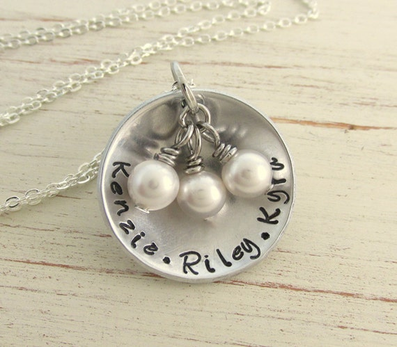personalized mothers necklace with childrens names and. Black Bedroom Furniture Sets. Home Design Ideas