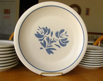 Vintage Pfaltzgraff Yorktowne Dinner Plate - Ironstone Pottery, Cream and Blue - Set of Four